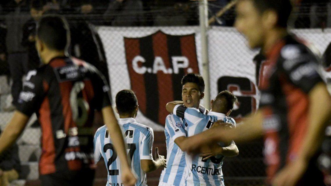 Pol Fernández celebra el primer gol del partido