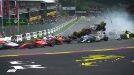 Terrible accidente en la Fórmula 1: el auto de Alonso salió volando de la pista