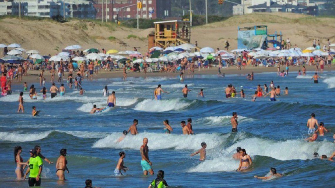 ¿Cómo ataca la bacteria de la playa que mató a un hombre en Uruguay?