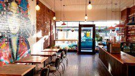 Para visibilizar la desigualdad salarial, un café obliga a los hombres a pagar 18% más