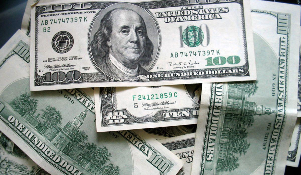 El dólar abre estable tras el supermartes de Lebacs