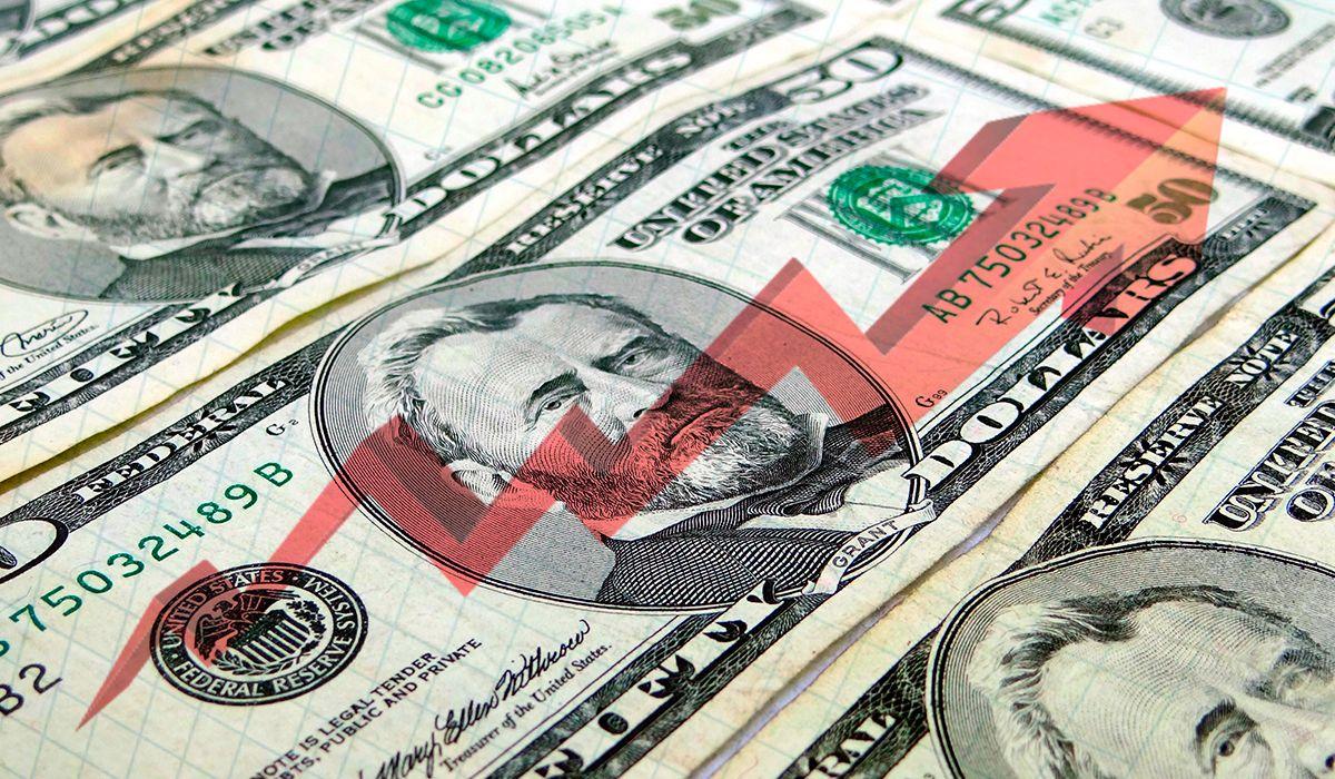 El dólar sube tras la ampliación del préstamo del FMI
