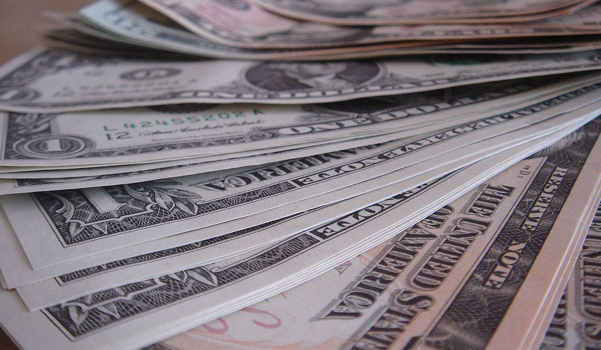 El dólar se disparó más de un peso y alcanzó su máximo en casi 7 semanas