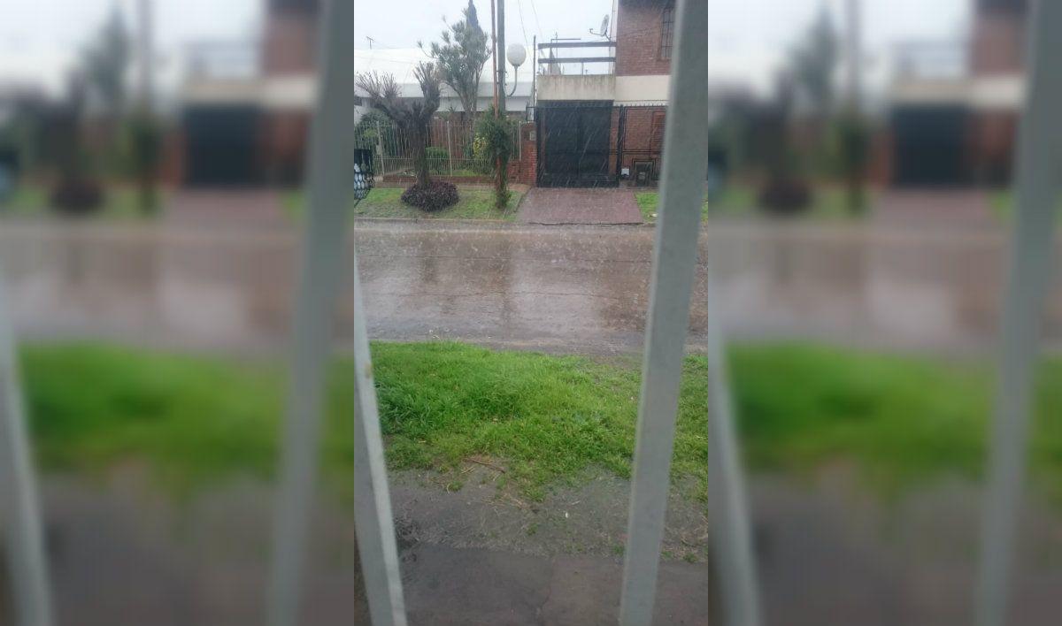 La lluvia de Santa Rosa no se hizo esperar en algunas localidades del sur del conurbano