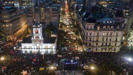 Multitudinaria marcha en defensa de las Universidades Públicas y contra el ajuste