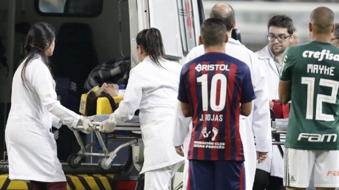 Tras salir en ambulancia de la cancha, el ex River Rodrigo Rojas está estable