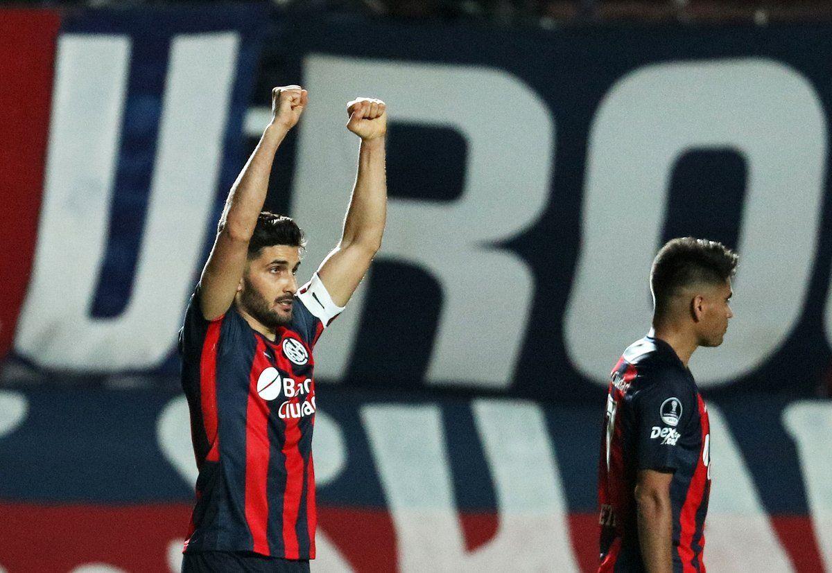 Nicolás Blandi celebra un gol para San Lorenzo