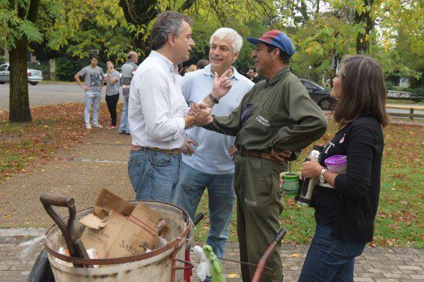 <p>Ministro de Agroindustria Luis Miguel Etchevehere en un timbreo</p>