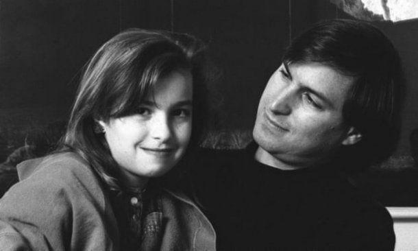 Steve Jobs tardó siete años en reconocer a su hija y una vida en entenderla