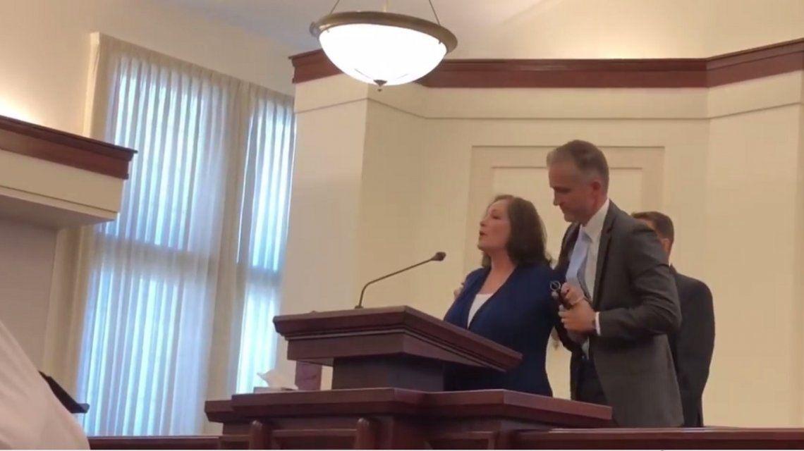Una mujer interrumpió una misa para contar que había sido violada hace 34 años por un líder mormón
