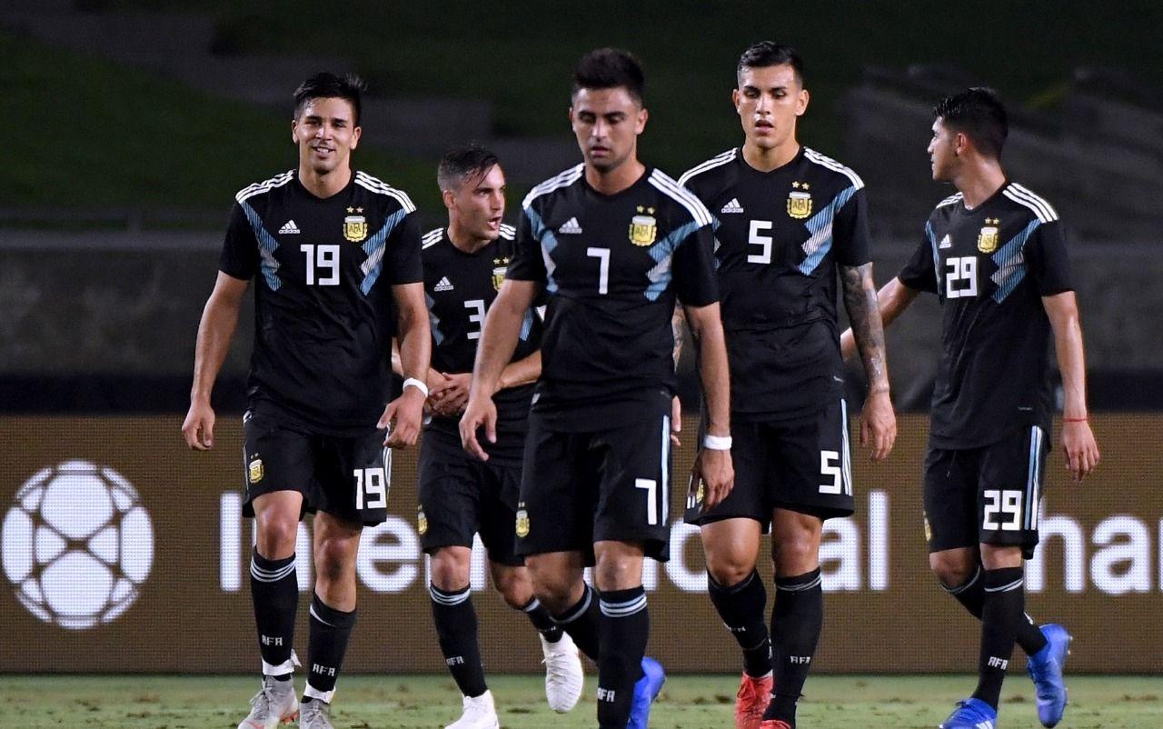 Otamendi y Salvio quedaron afuera de la Selección para jugar contra México