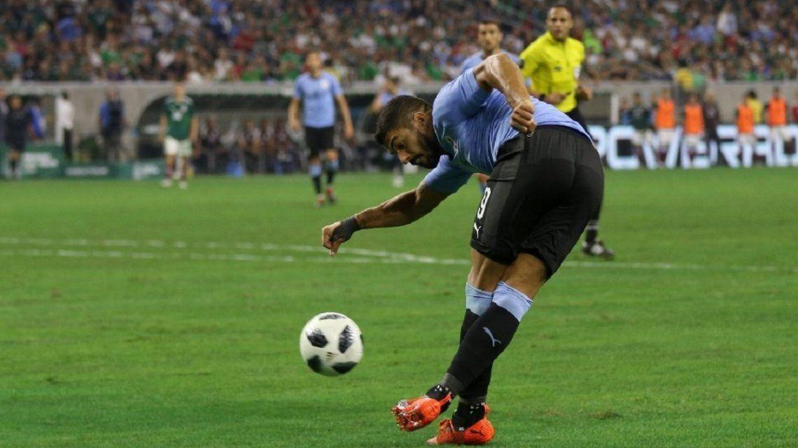 La rabona de Luis Suárez ante México dio la vuelta al mundo