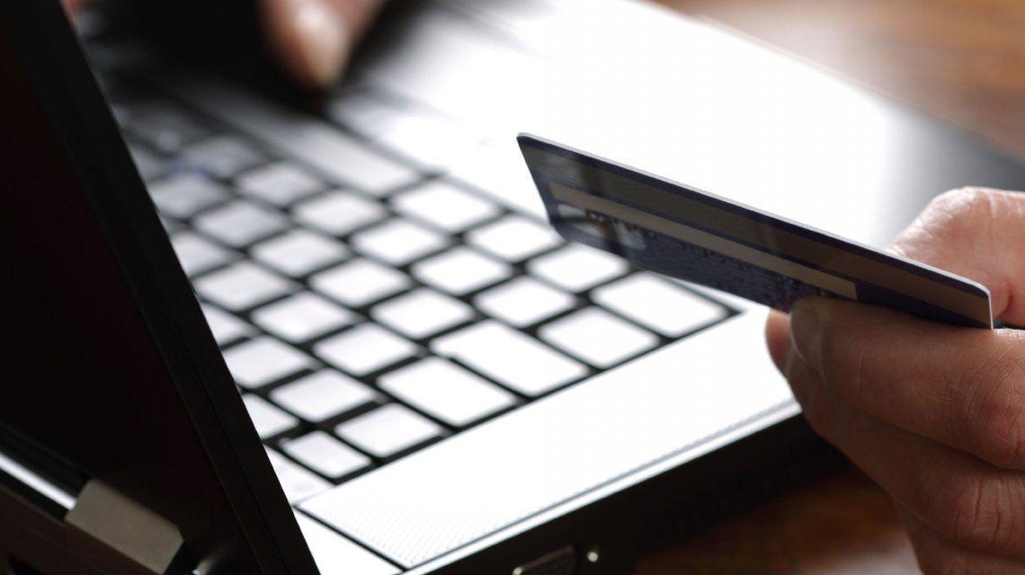 Neuquén: condenan por estafa a un hombre que le usó la tarjeta a una compañera de trabajo