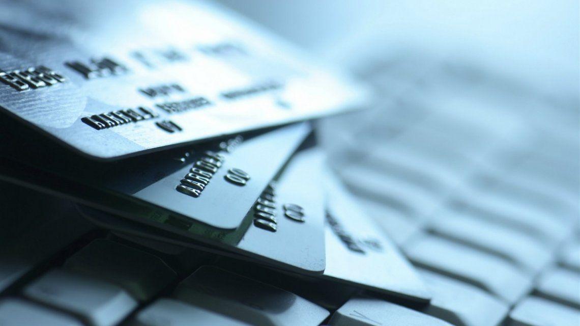 A fin de año habrá más controles a los clientes de tarjetas de crédito y débito