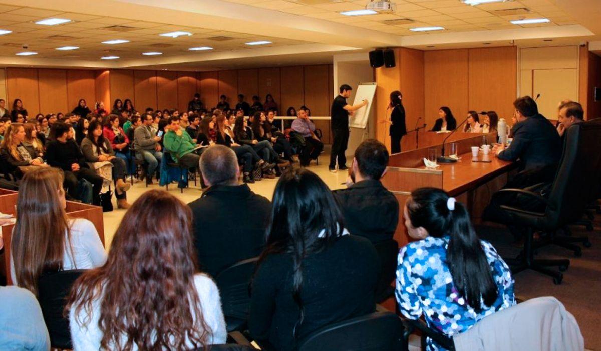 ¿Cómo funcionan los juicios por jurados en Argentina?