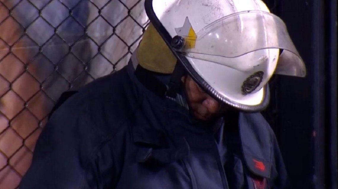 Salió a la luz la verdadera historia del bombero que se quedó dormido durante el último Boca-Vélez