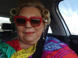 peluqueria movil: otro insolito tuit de carrio en medio de la escalada del dolar