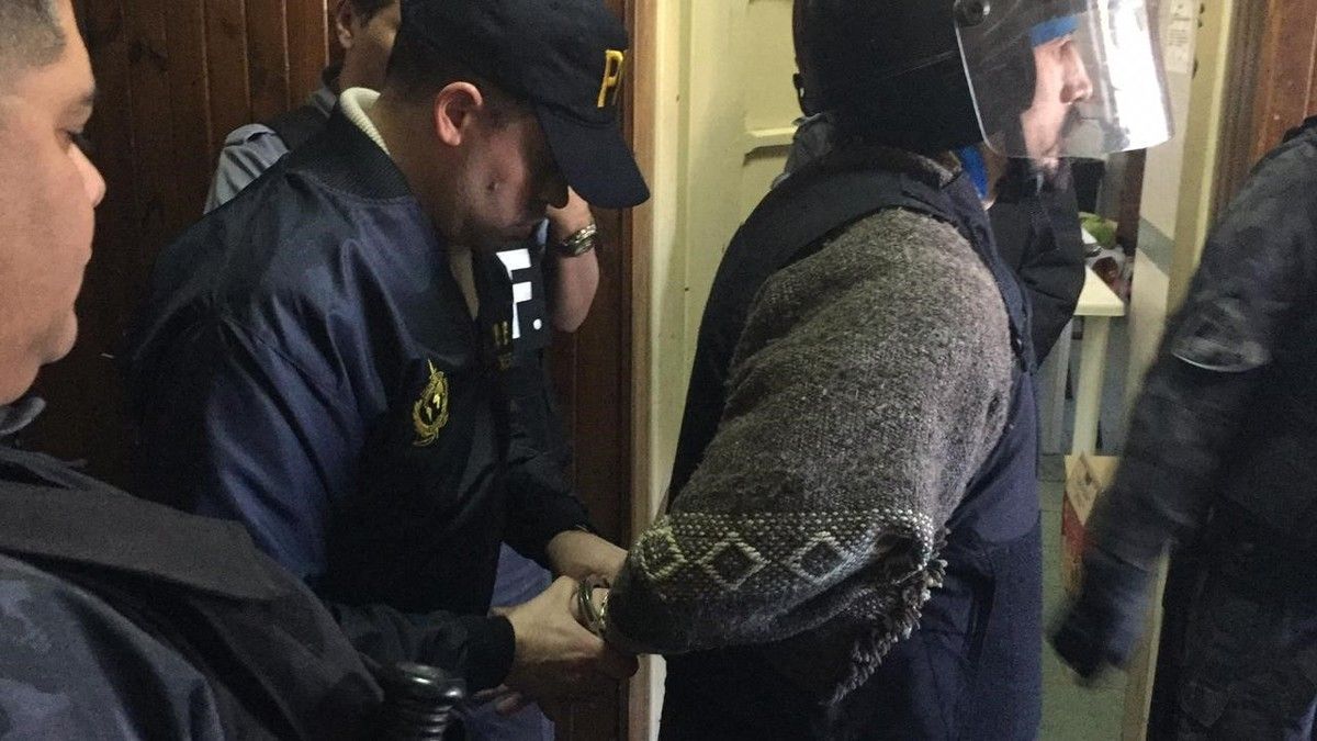 Gentileza Clarín / Jones Huala fue extraditado a Chile para responder por el incendio de una propiedad en 2013
