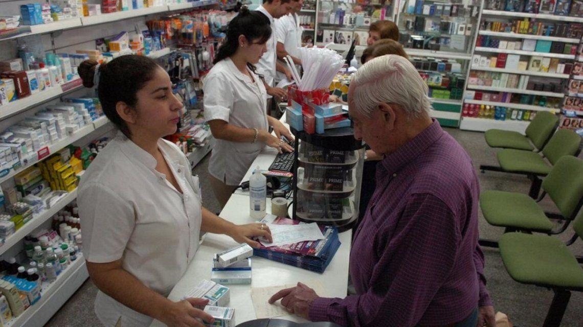 Por la escalada de precios, se derrumba la compra de medicamentos