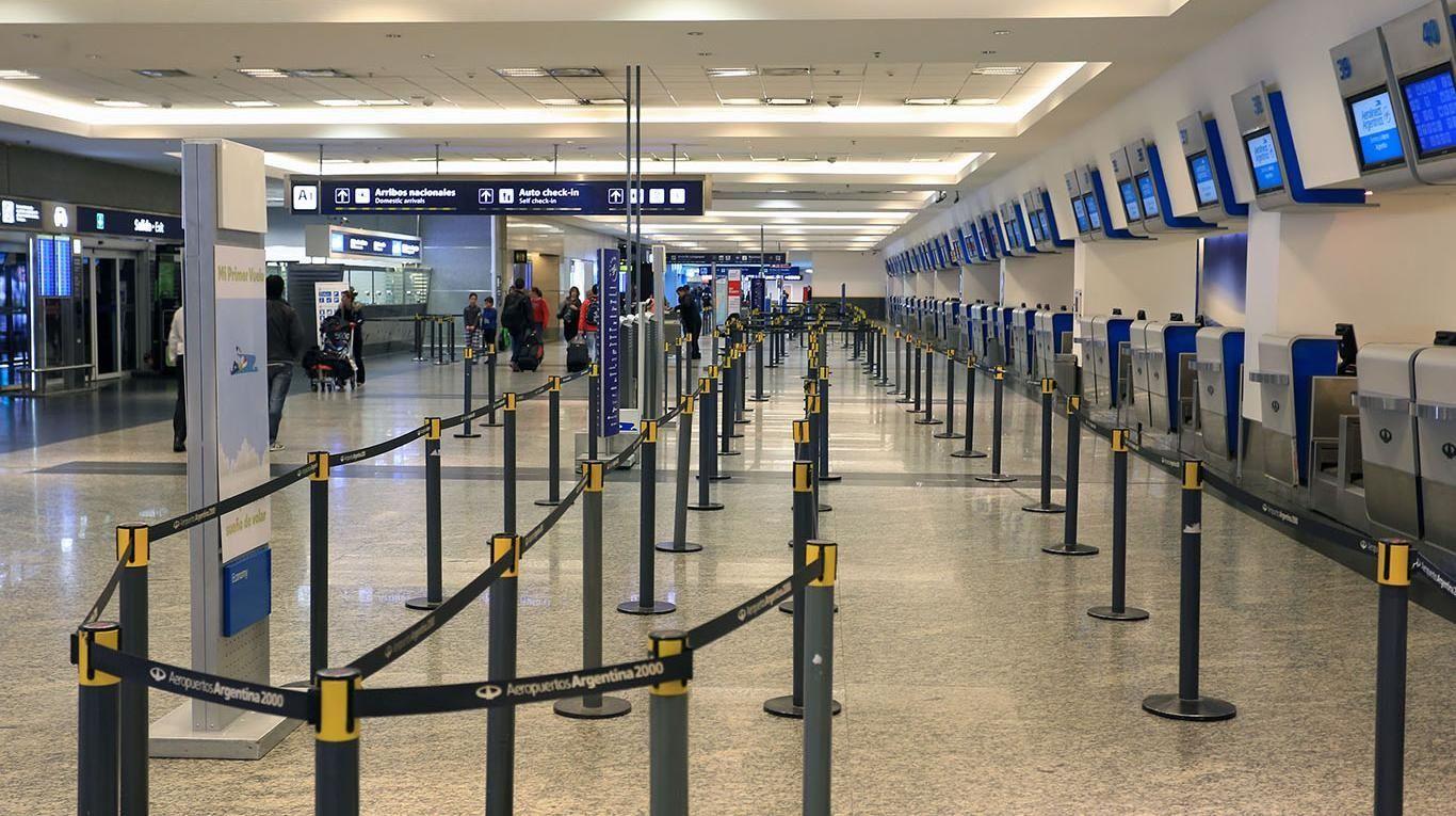 Aeropuertos casi vacíos por el fuerte aumento de los paquetes turísticos