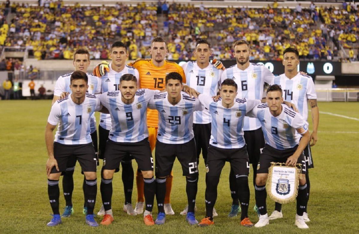 Los 11 que arrancaron ante Colombia en el último amistoso (Foto: @Argentina)