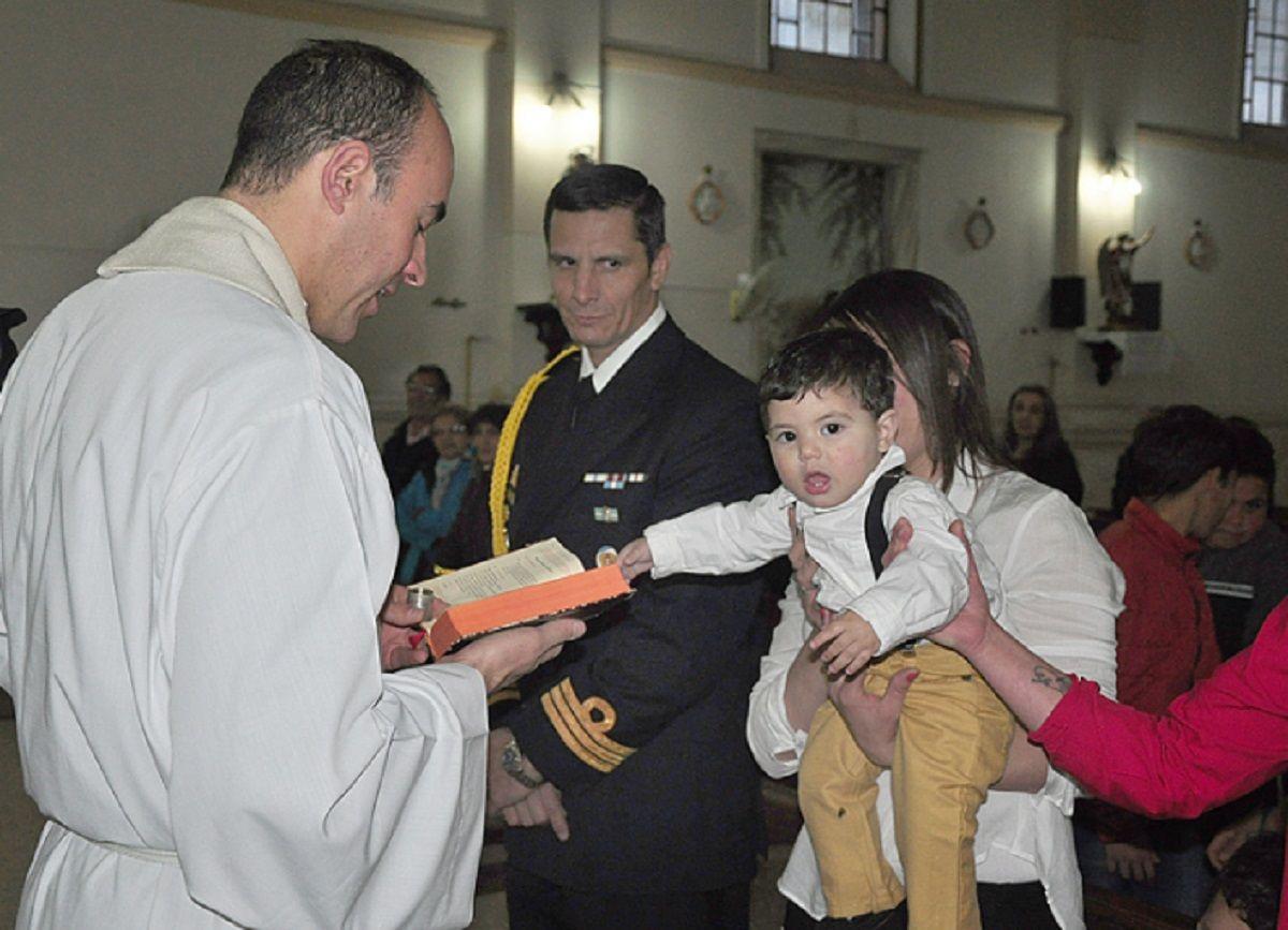 Macri tiene un nuevo ahijado: es el séptimo hijo varón de una familia de Olavarría