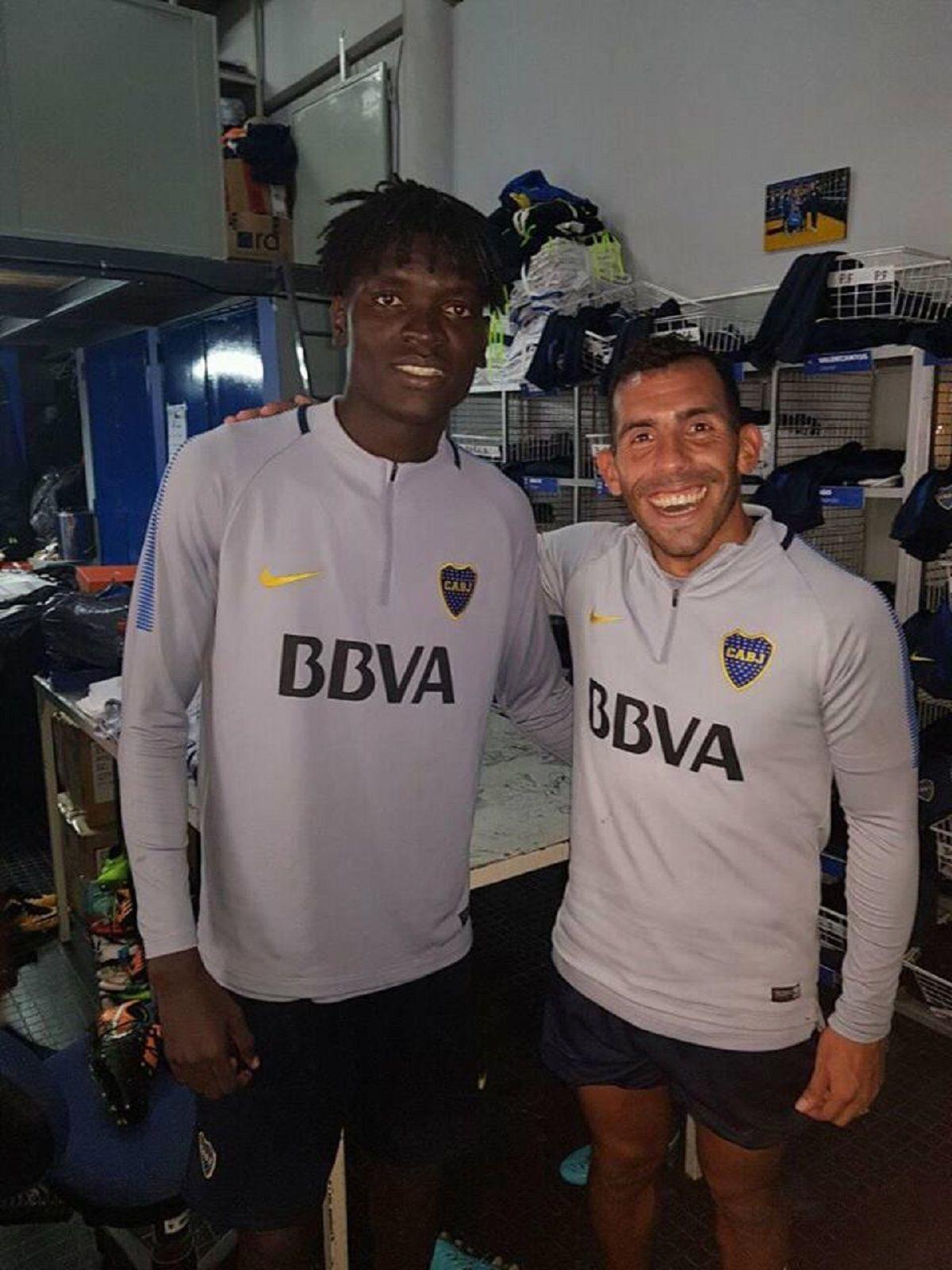 Cristian Mayo con Carlos Tevez en Boca - Crédito: Facebook Cristian Mayo