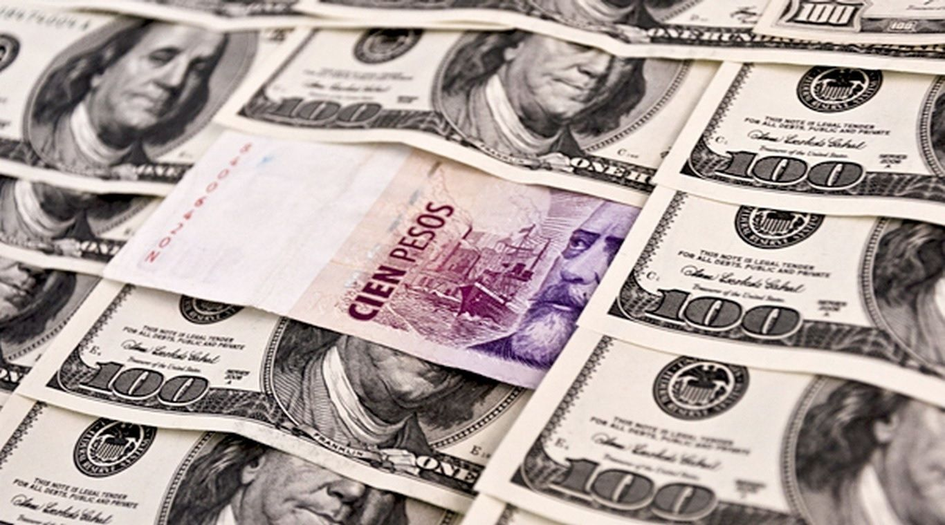 El dólar tuvo una fuerte caída y cerró a $37,10