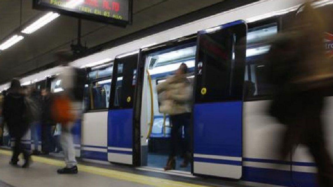 Una tablet explotó en el Metro de Madrid y 6 pasajeros tuvieron un ataque de ansiedad