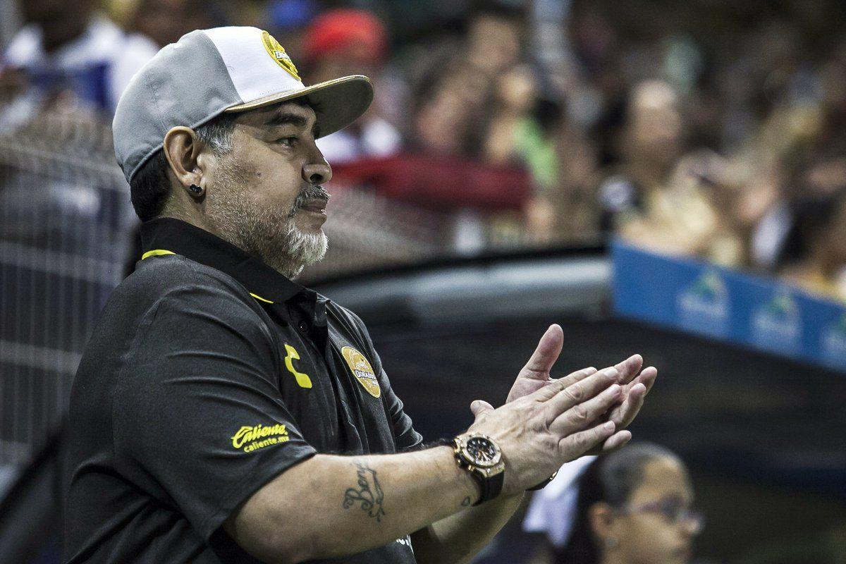 Debut con goleada y festejos alocados de Maradona en Dorados de Sinaloa