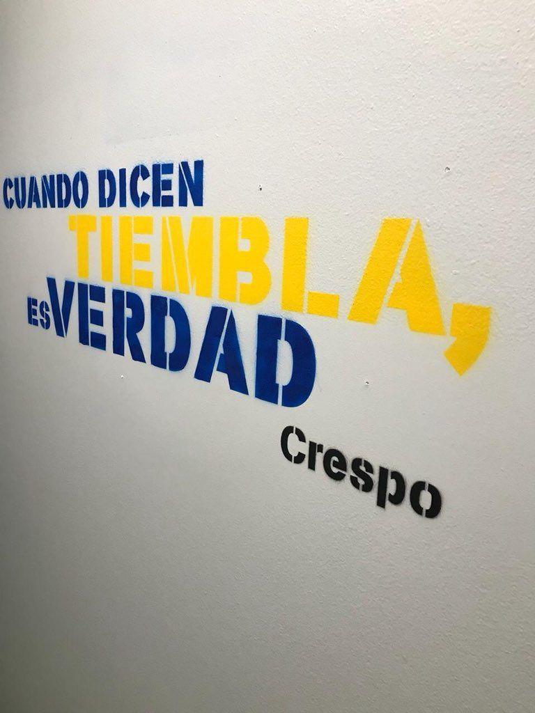 Pintaron en el túnel de La Bombonera elogios de varios ex River a Boca