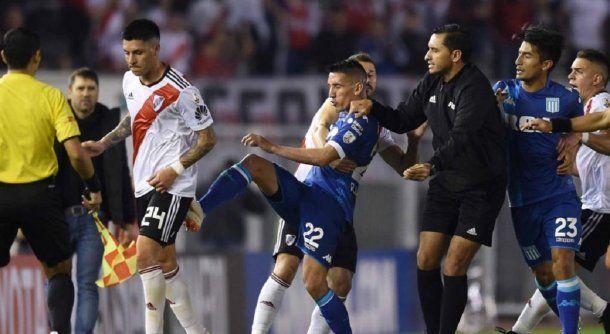 La inédita cláusula en el contrato de Centurión con Vélez por sus antecedentes