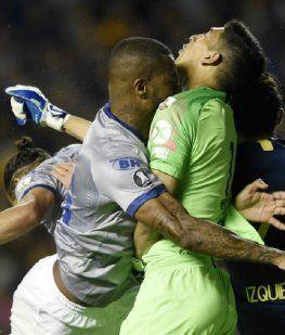 Boca se queda sin su arquero titular: Andrada se rompió la mandíbula