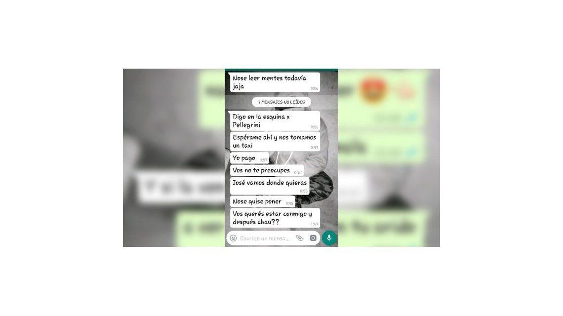 Los chats que habría mantenido la maestra despedida con el alumno de 13 años