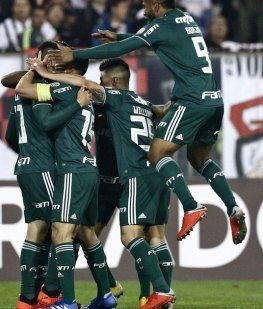 Palmeiras celebra ante la bronca de Agustín Orion