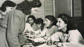 11 de noviembre de 1951, la primera vez que las mujeres pudieron votar