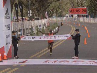 el keniata kipkemboi gano la maraton de buenos aires con nuevo record