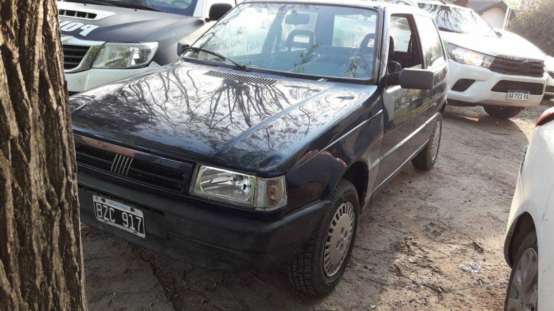 El auto que conducía el joven de 18 años que atropelló a la policía en Lobos.