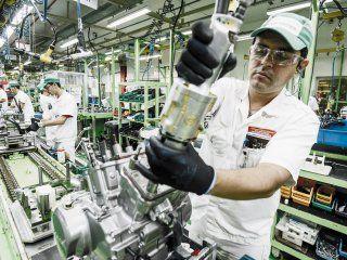 las pymes piden pesificar el valor de la energia y congelar tarifas por seis meses