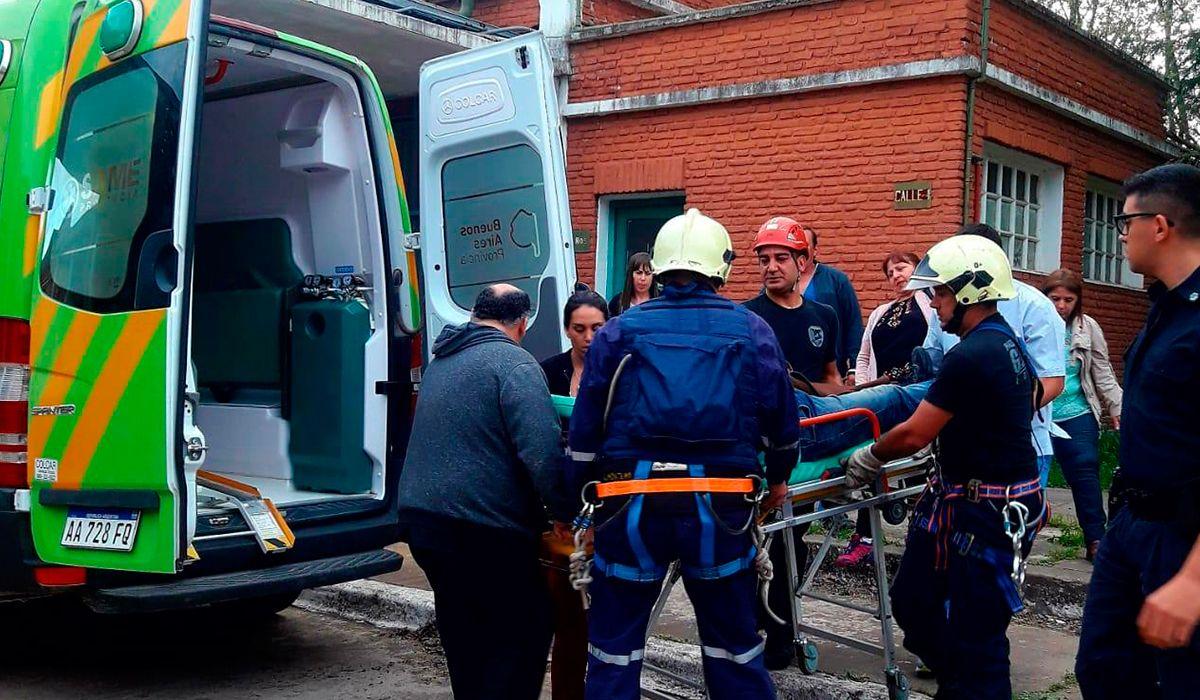 Brandsen: rescataron a un operario que intentó quitarse la vida desde una antena a 120 metros de altura