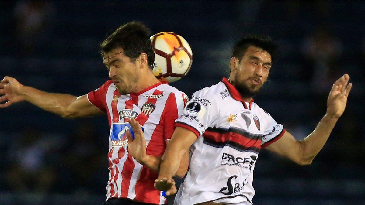 Colón perdió ante Junior en Barranquilla pero la serie está abierta