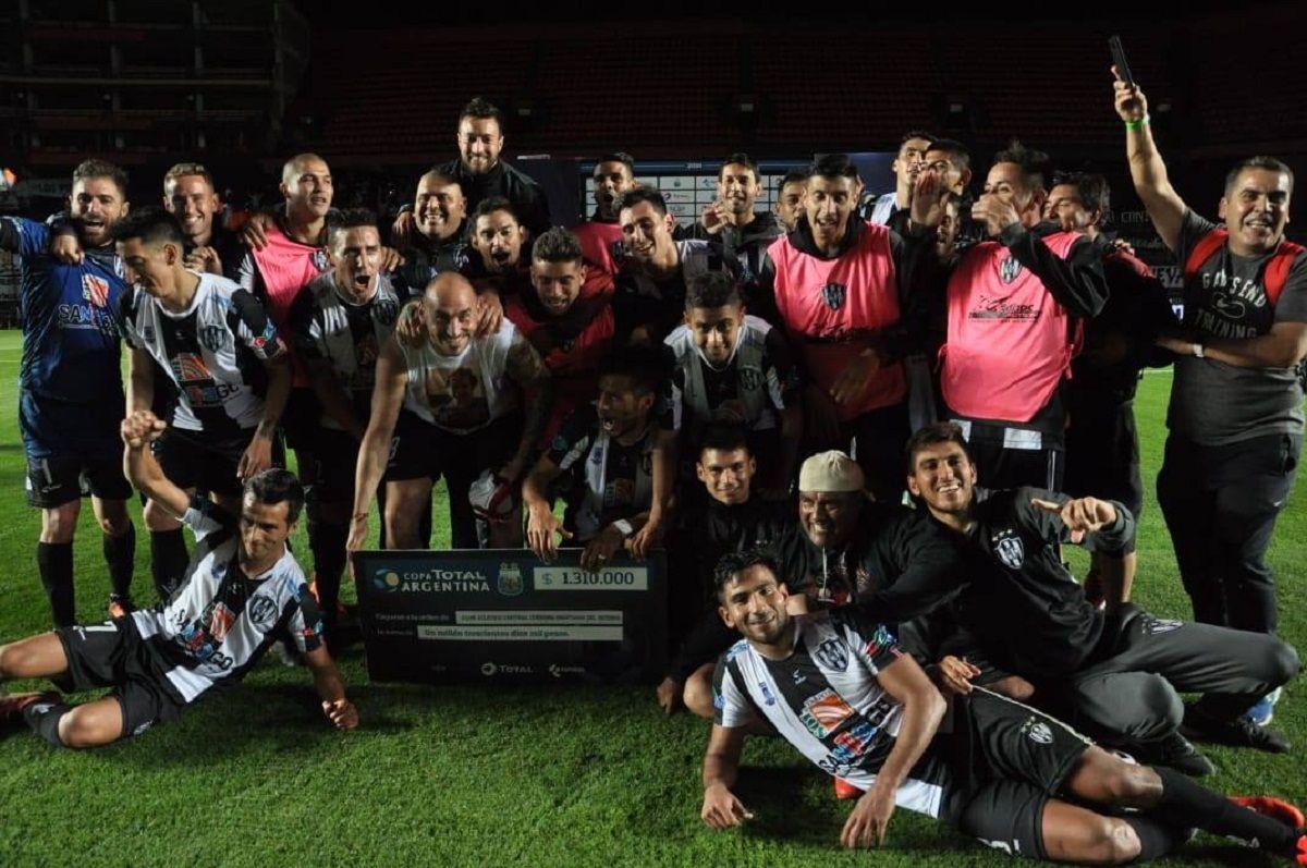 Central Córdoba de Santiago del Estero avanzó a cuartos de final