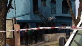 VIDEO: Un sospechoso muerto y dos policías heridos en un allanamiento