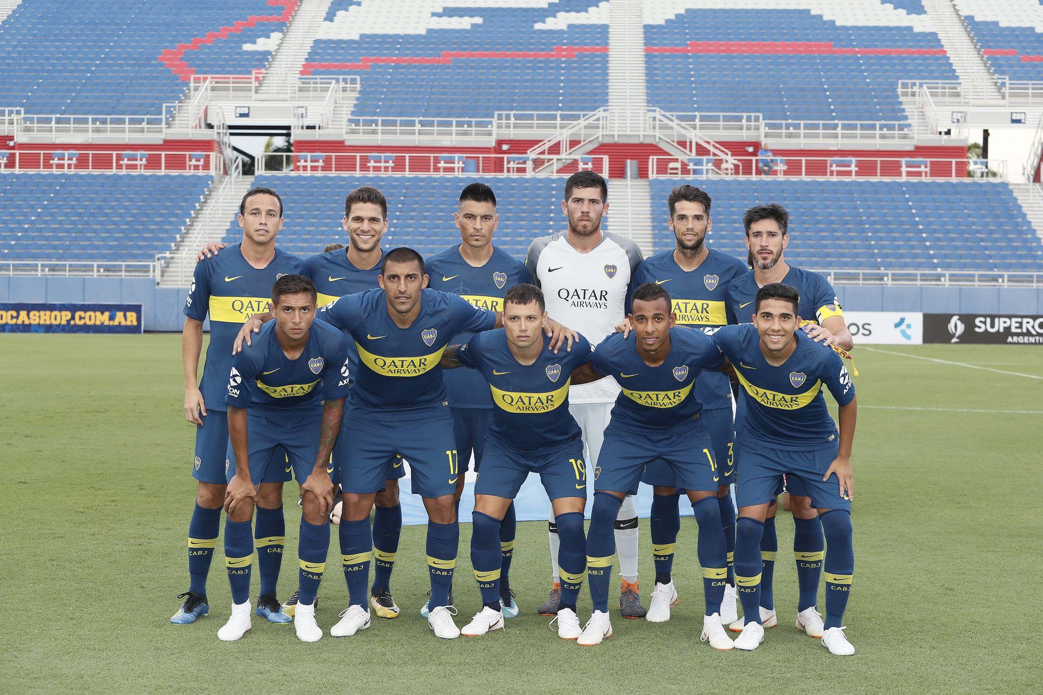 Agustín Almendra es el primero a la izquierda de la fila de abajo