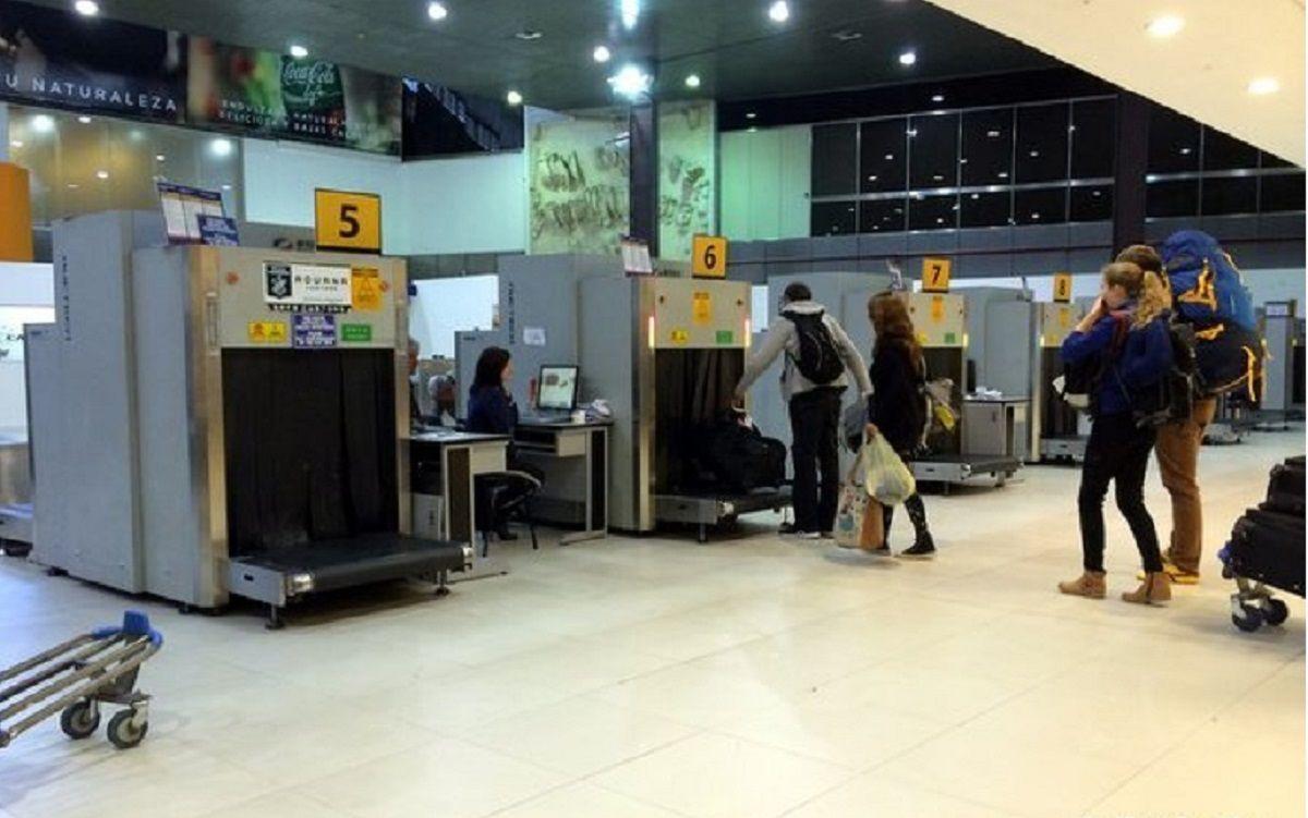 Dejarán de entregar en los aviones el formulario para declarar objetos personales