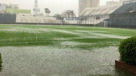 Así está el campo de juego del estadio de Quilmes (@CLMerlo)