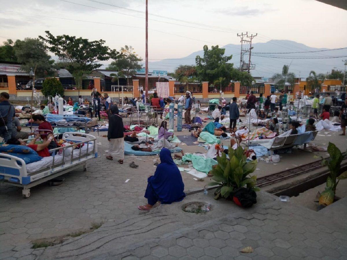 Al menos 385 muertos por el terremoto y tsunami en Indonesia - Crédito: @Sutopo_PN