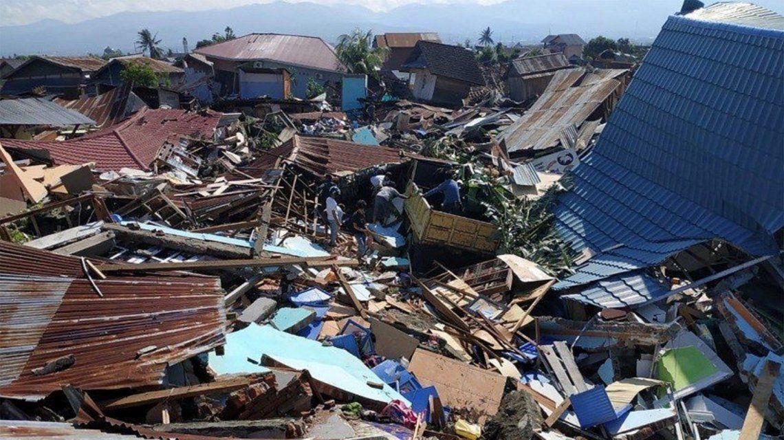 Indonesia: ascienden a 832 los muertos por el terremoto y el tsunami