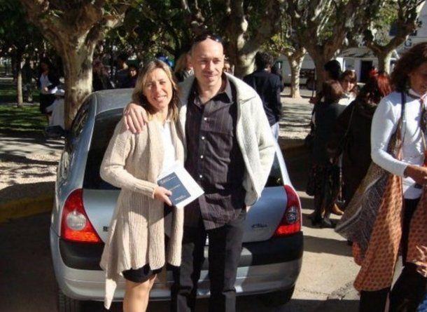 Damián Cutrera, la víctima, junto a su esposa.