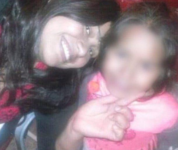Eugenia Guaquinchay estafó a dos docentes diciendo que su pequeña tenía leucemia.